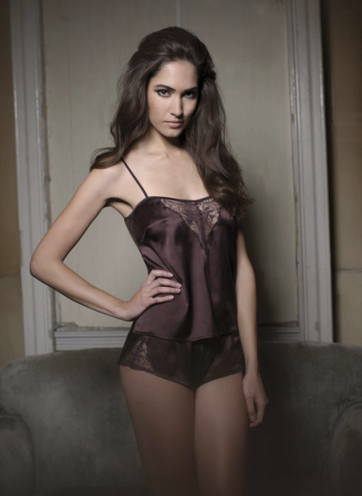 A sexy sheer lace panel brings this luxurious silk set to life. This gorgeous detail accentuates and enhances the buttocks and cleavage.