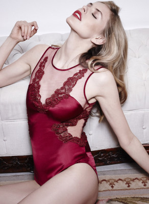 A deep plunging neckline, sexy peek-a-boo cut-outs and fine sheer mesh create a figure hugging Baroque body to tantalise and tease.