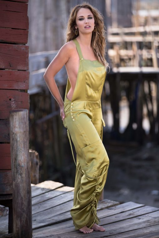 Flaunting all the great characteristics of dungarees, from the adjustable straps, bib and multiple pockets, to the deep plunging sides that reveal your fabulous contours, these sensuous silk dungarees make a great versatile addition to your wardrobe.